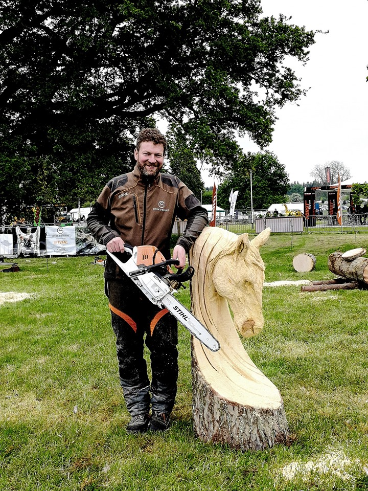 Simon O'Rourke with the finished speed carve horse
