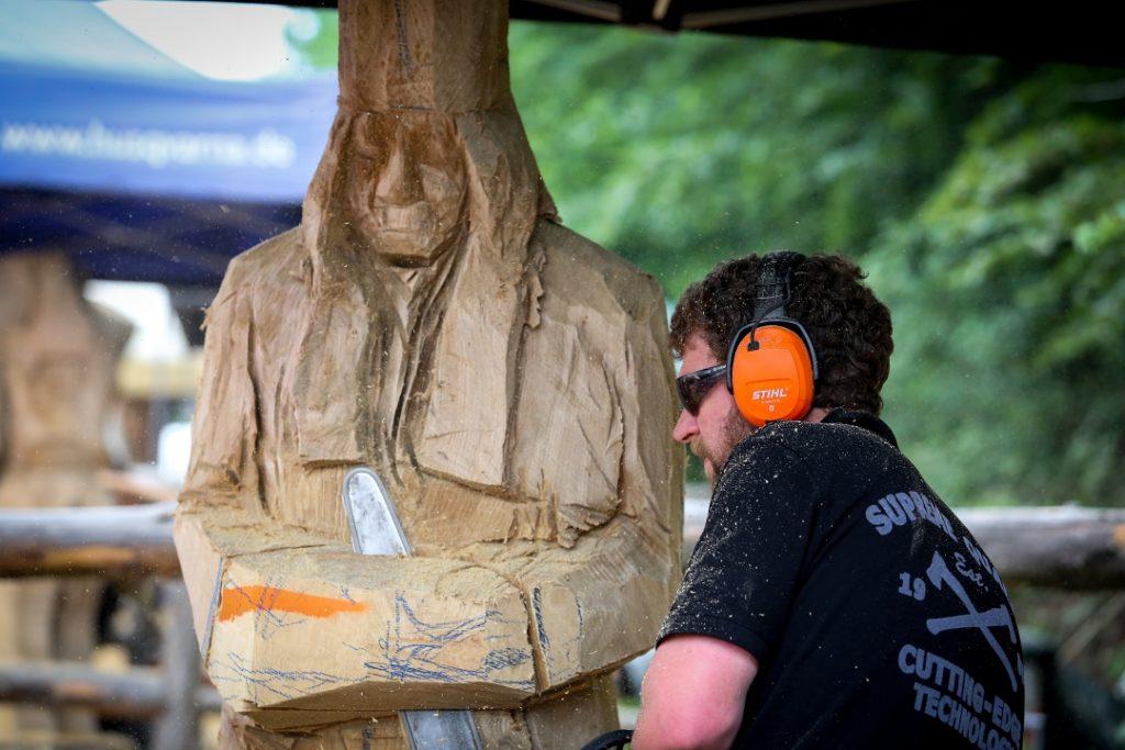 Simon O'Rourke miner carving