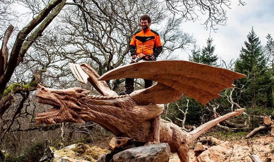 simon o'rourker with his sculpture 'the dragon of bethesda'
