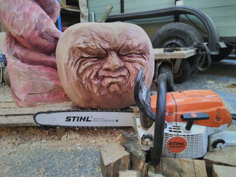 A small chainsaw is sufficient